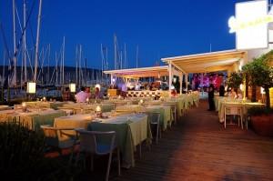 Vespa Cafe, Restaurant